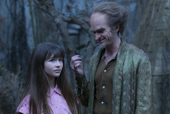 Neil Patrick Harris and Malina Weissman in A Series of Unfortunate Events