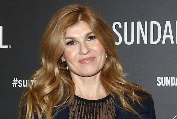 connie-britton-smilf-showtime-comedy-cast
