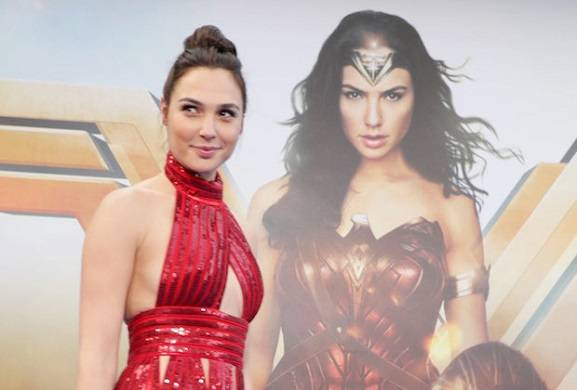 snl-host-gal-gadot-wonder-woman