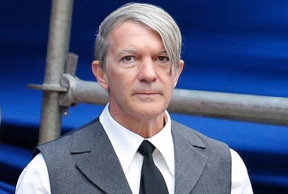 Antonio Banderas shows off new look as he goes grey to play Picasso in Genius season 2