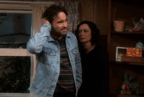 roseanne-revival-johnny-galecki