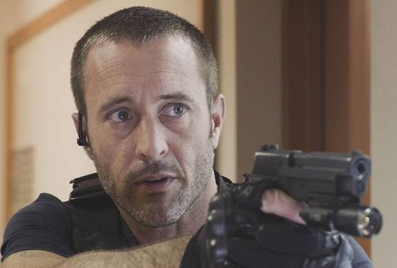 hawaii-five-0-alex-oloughlin-more-seasons
