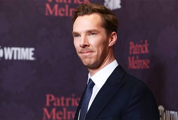 benedict-cumberbatch-rescues-cyclist-under-attack-by-four-people
