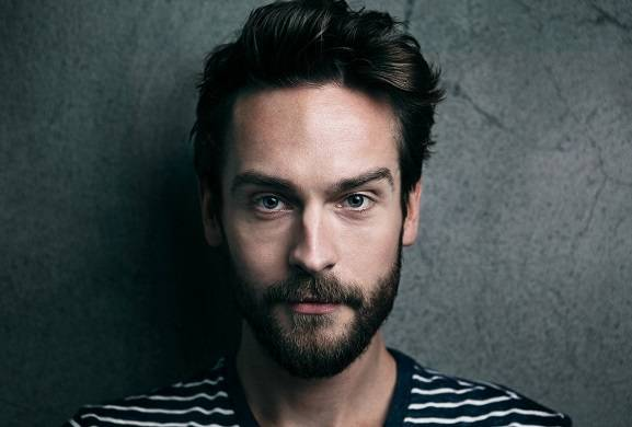 'Watchmen': Tom Mison Lands Lead Role in Damon Lindelof's HBO Series