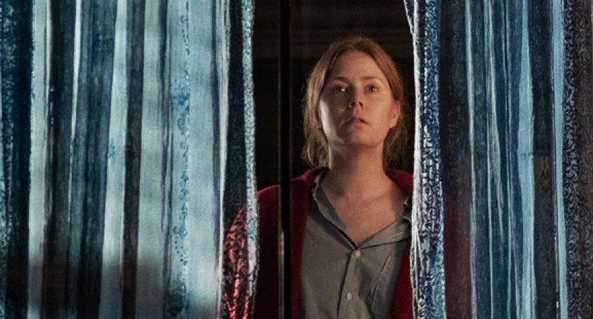 艾美亞當斯主演《窺探》2021年上線Netflix!喬萊特談殺青兩年半漫長旅程