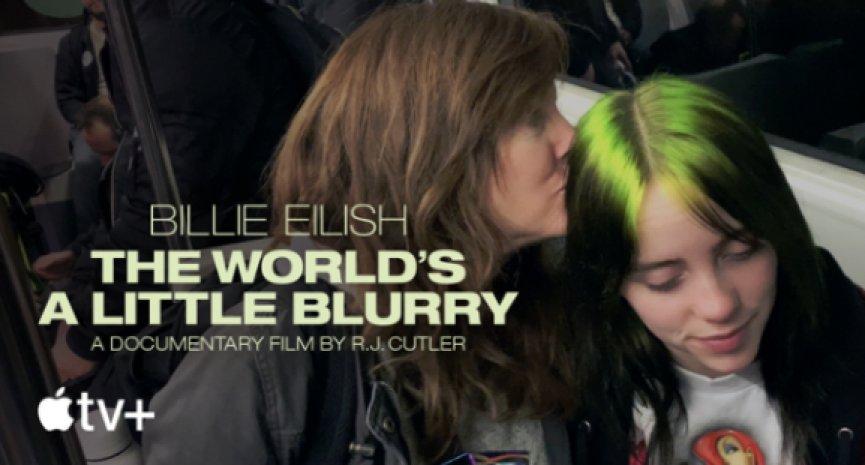 樂壇超級才女!《怪奇比莉 Billie Eilish:我眼中的迷濛世界》真情分享17歲獨特人生觀