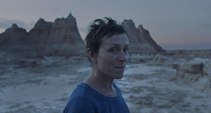 《游牧人生》風光提名金球獎4大獎項!法蘭西絲麥朵曼邁向3度封后之路