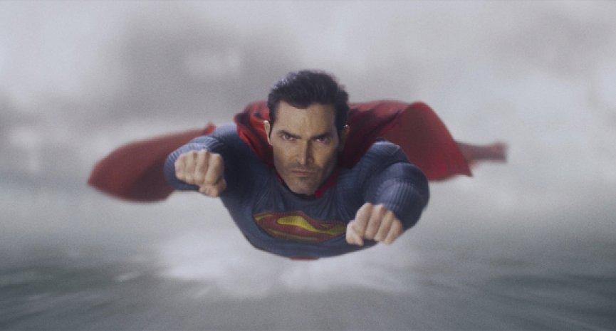 DC美劇《超人與露易絲》Warner TV獨家首播!「鋼鐵英雄」新一代服裝再現傳奇精神