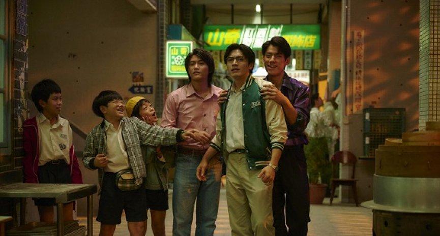 《天橋上的魔術師》衝上Netflix台灣排行榜第二!屁孩「阿蓋」創收視最高點