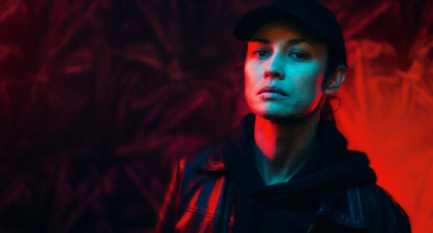 Netflix原創法國電影《哨兵行動》驚悚上線!歐嘉柯瑞蘭寇誓死復仇
