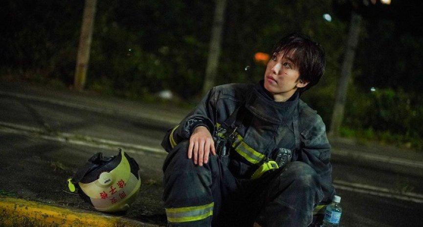 陈庭妮被老鸟轻视!《火神的眼泪》成单亲女消防员:「我不想服输」