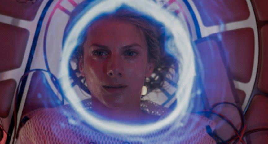 《魔山》導演驚悚新作!Netflix原創電影《氧氣危機》前導預告上線