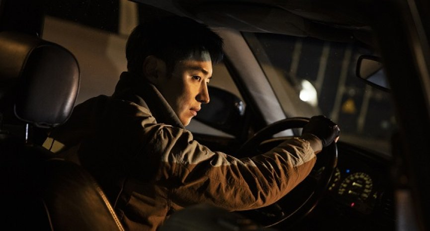 李帝勳《模範計程車》19禁暴力復仇!李英愛聲演助攻首播收視衝破10%