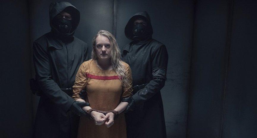 伊莉莎白摩斯尋求正義!《使女的故事》全新第四季HBO GO獨家上線