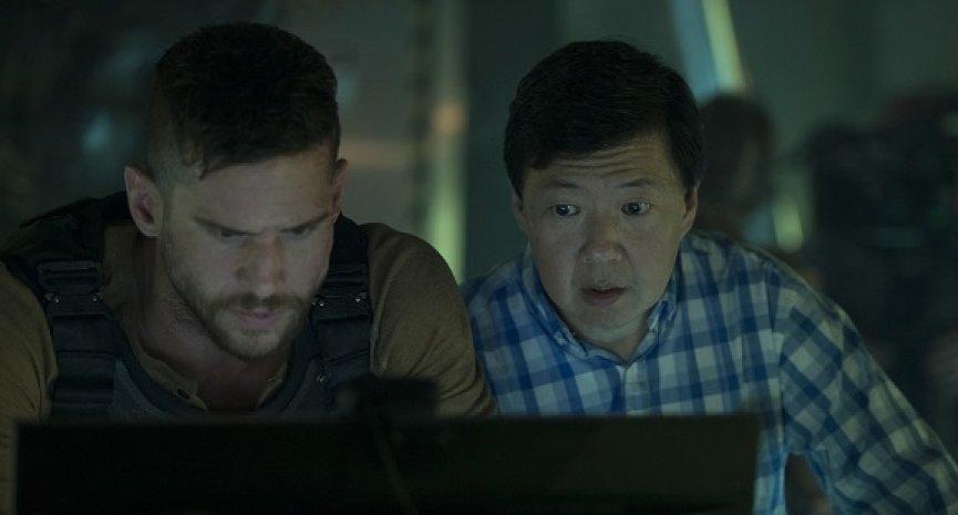 《異星佔領:反擊時刻》6月在台開戰!鄭肯參演「出現的每分每秒都很好笑!」