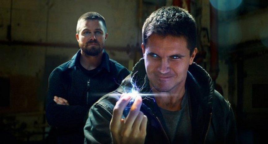 《綠箭俠》艾梅爾堂兄弟回歸!Netflix購入《8級警戒》續集全球版權