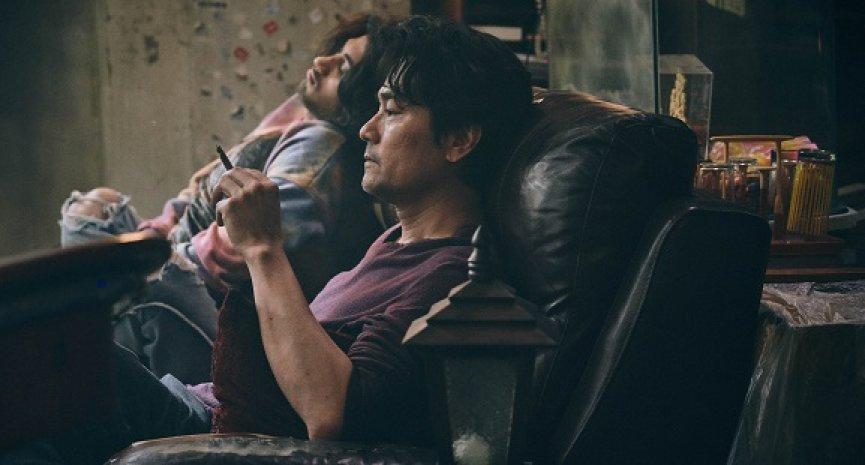 《手捲煙》在台上映導演「懇請支持香港電影」!林家棟搏命演出媲美《原罪犯》經典橋段