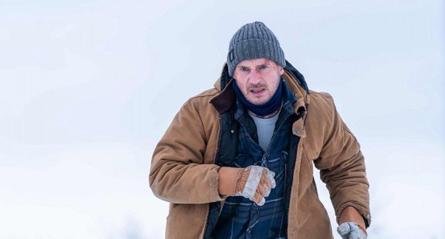 解密冰上版《玩命關頭》!「地表最強老爸」連恩尼遜飆車狂毆反派