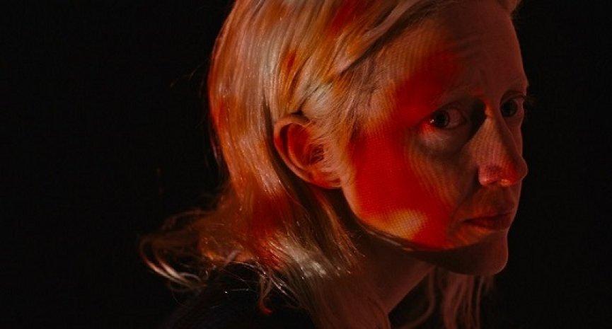 爛番茄94%好評!大衛柯能堡之子驚悚新作《寄身殺手》橫掃全球奇幻影展