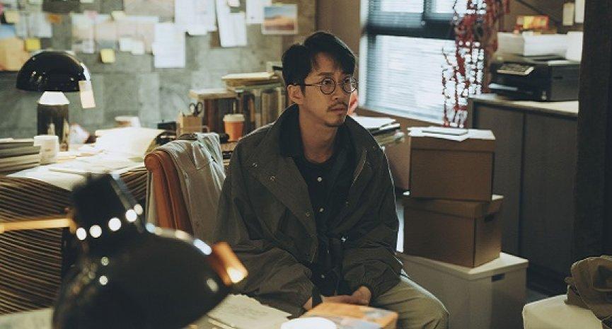 《2049》陳漢典演過氣作家獲讚「最帥造型」!認了:《康熙》是少年得志如今中年失業