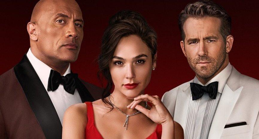 Netflix《紅色通緝令》正式預告公開!蓋兒加朵耍心機惡整「死侍」、巨石強森