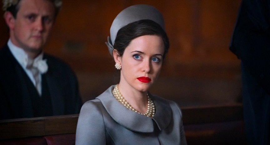 《英式醜聞》第二季劇照公開!克萊兒芙伊化身「公爵夫人」被曝性愛照