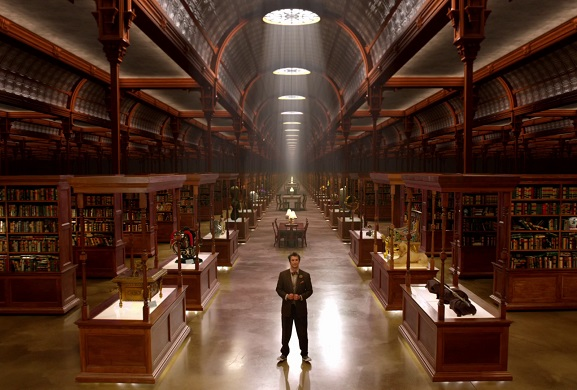 Flynn_greeting_the_Lits_in_the_Library