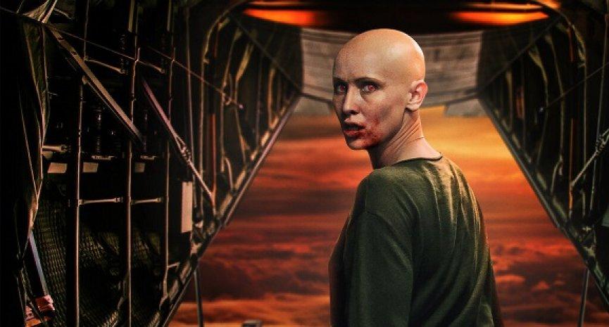 《血色天劫》影評/劫機遇吸血鬼題材新鮮 12歲童星演技大爆發成焦點